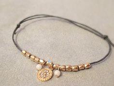Armbänder - LIGHT minimalistisches Armband schlicht zart gold - ein Designerstück von Kleines-Karma bei DaWanda
