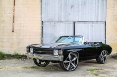 Black 1971 Chevrolet Chevelle With Motor on Forgiatos - great mix of classic and modern Modern Muscle Cars, Aussie Muscle Cars, Muscle Cars For Sale, Best Muscle Cars, American Muscle Cars, 1971 Chevelle, Chevrolet Chevelle, Chevrolet Caprice, Donk Cars