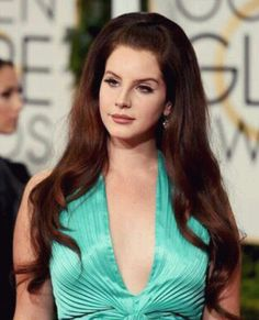 Lana Del Rey on the Red Carpet at the Golden Globes 2015