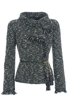 Giacca in lana boucle arricchita da cintura in pelle intrecciata luisa spagnoli