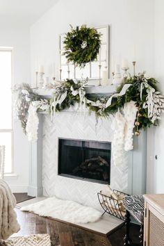 Christmas garland, Christmas wreath, traditional holiday decor, Christmas mantle decor. #ABlissfulNest #Christmasdecor #holidaydecor