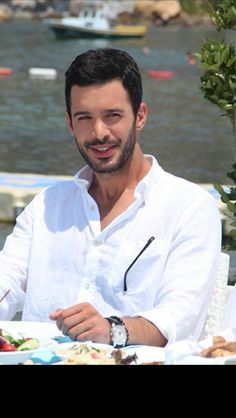 Turkish Men, Turkish Beauty, Turkish Fashion, Turkish Actors, Dou Dou, Elcin Sangu, Tv Awards, Barista, To My Future Husband