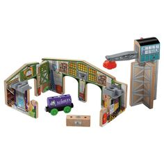 Fisher-Price Thomas and Friends Wooden Railway Creative Junction Slot and Build Thomas And Friends Trains, Building Facade, Gross Motor Skills, Toddler Toys, Fisher Price, Crane, Slot, Creative, Wooden Toys