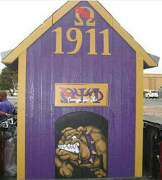 Omega Gifts, Greek Paddles, Frat Parties, Omega Psi Phi, Sorority And Fraternity, Greek Life, Pli, Historical Pictures, Tatoos
