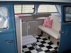 25 Wonderful Small RV And Camper Van Interiors Design Ideas Small Rv Campers, Cool Campers, Retro Campers, Vintage Campers, Camper Trailers, Camper Van, Retro Caravan, Camper Life, Vw Bus