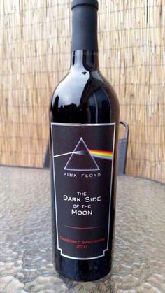 'Pink Floyd Wine' #PinkFloyd Even though I can't drink, this is still cool