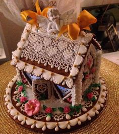 GINGERBREAD HOUSE~Cupid gingerbread house