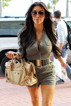 kim kardashian in 2010  Love her outfit and her purse