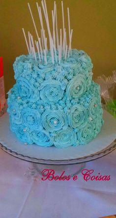 Bolos e coisas - Bolos decorados (Cake Design): Rosas azuis                                                                                                                                                     Mais