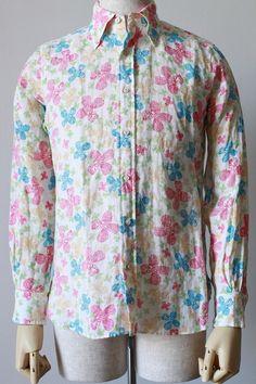 New SanFrancisco Linen Flower print 品番231009 C/#65 Pink 麻100%  細身でスタイリッシュ,裾をインして着たい大人のシャツ。 生地は弊社オリジナルのレトロリバティープリント。 色も鮮やかでこれからの季節にぴったりです。