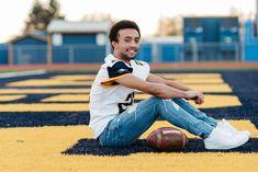Senior Football Photography, Football Senior Photos, Football Poses, Football Pictures, Sports Pictures, Guy Poses, Senior Boy Poses, Senior Portrait Poses, Senior Guys