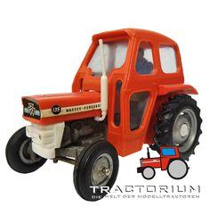 Britains 9529 Massey Ferguson 135 vollverglaste Kabine Traktor 1/32