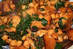 Špenát s cizrnou po andaluzsku Black Eyed Peas, Vegetable Recipes, Tapas, Vegetarian, Chicken, Meat, Vegetables, Simple, Bulgur