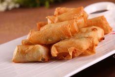 Con los rollitos de primavera podemos disfrutar de una de las delicias que la comida oriental nos ofrece en sus restaurantes. Se sirve como acompañamiento