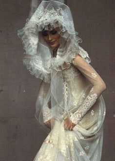 Shalom Harlow wearing Christian Lacroix Haute Couture by Irving Penn for Vogue Christian Lacroix, Shalom Harlow, Irving Penn, Vogue Us, Vogue Photo, Bridal Gowns, Wedding Dresses, Look Fashion, Fashion Design