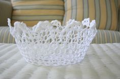 "A Law Student's Journey: Doily Bowl ""I am loving doilies right now!! I searched for cheap fabric doilys for a while- but FINALLY found them at the dollar store!! (of course!) Then with a little fabric stiffener (found at hobby lobby for $3.99) an a bowl wrapped in cling wrap- you get this!"""