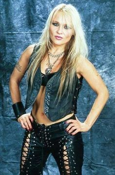 Doro Pesch - The Metal Queen Heavy Metal Bands, Chica Heavy Metal, Heavy Metal Girl, Heavy Metal Music, Glam Metal, Ozzy Osbourne, Female Guitarist, Female Singers, Ladies Of Metal
