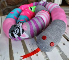 I think I may just be the last person making one of these popular sock snakes. I knew I had to make one after seeing the tutorialfrom Grosgrain. Kathleen's mismatch sock snake is very popular and is a very creative idea for a child's project. Its a super easy beginner friendly project that will be …