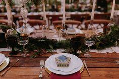 A magical + moody harry potter wedding on martha stewart weddings. Harry Potter Diy, Moody Harry Potter, Harry Potter Hollywood, Harry Potter Wedding Cakes, Harry Potter Birthday Cake, Harry Potter Theme, Wedding Decor, Cool Wedding Cakes, Brunch Wedding