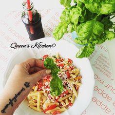 pennette alla crudaiola con pomodoro, basilico, ricotta salata e olio extravergine d'oliva  #mangiamoinsieme [fate un giro sul blog!] http://queenskitchenover-blogcom.over-blog.com/ follow Queen's Kitchen on Facebook #queenskitchen  #Recipeoftheday