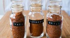 Hemmagjorda kryddblandningar: tacokrydda, tandoori och grillkrydda.