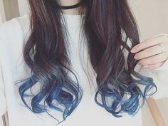 WEBSTA @ 25hii25 - 髪色変えました。#グラデーションカラー #グラデーション #念願の #青 #マニパニ #マニックパニック #セルフカラー #でも #そろそろ毛先が限界 笑