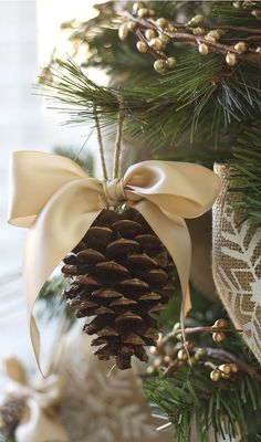 25+ Beautiful Handmade Ornaments