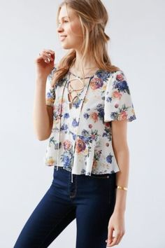 Kimchi Blue Judy Lace-Up Flutter-Sleeve Blouse - Urban Outfitters