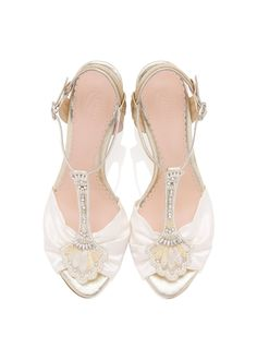 cabffc31a23 454 Best Bridal Shoes images in 2019