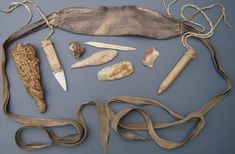 The oldest known purse was found with Ötzi the Iceman who lived around 3,300 BC. [800x525]