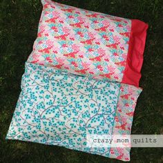 lawn pillow cases Cute Sewing Projects, Sewing Blogs, Sewing Tutorials, Crazy Mom, Quilted Pillow, Handmade Items, Quilt Patterns, Pillowcases, Lawn