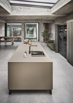 Luxury Kitchens, Black Kitchens, Home Kitchens, Beige Kitchen, Modern Kitchen Island, Kitchen Interior, Kitchen Decor, Vintage Loft, Kitchen Cabinets And Countertops