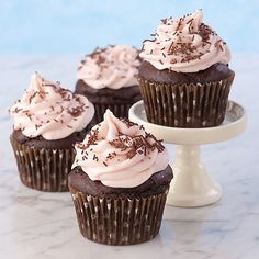 Chocolate Strawberry Banana Cupcake  Gluten Free #cupcake #recipe http://www.glutenfree-meals.com/ #glutenfree #dieting #gluten