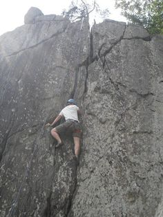rock climbing Rock Climbing Gear, Rappelling, Outdoor Fun, Natural Wonders, Bouldering, Beautiful World, The Great Outdoors, Kayaking, Landscapes