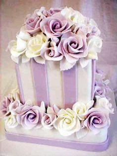 Google Image Result for http://my-weddingdream.com/wp-content/uploads/2010/12/square-wedding-cakes-3.jpg
