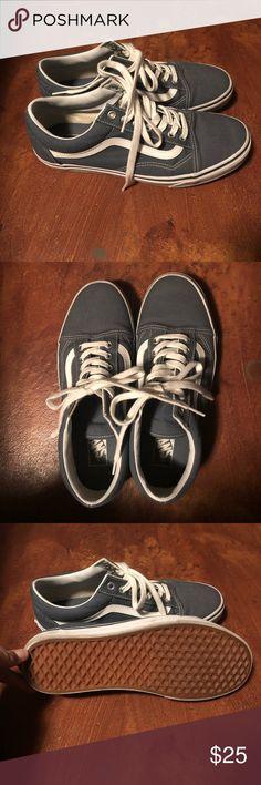55fcc178391 Vans Old Skool Sneakers Men s Vans Old Skool Sneaks for sale. Gently used