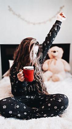 •Pinterest// Sadie Joyce• Home Photo, Christmas Time, Christmas Morning, Cozy Christmas, Christmas Pictures, Instagram Christmas, Christmas Aesthetic, Insta Photo Ideas, Winter Pictures