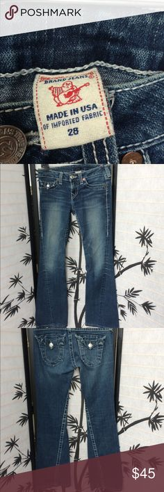 """True religion section Joey jeans Has some loose threads at bottom as pictured. 29"""" inseam 8"""" rise. Will accept a reasonable offer! True Religion Jeans Flare & Wide Leg"""
