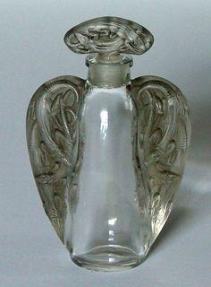 AN EXCEPTIONALLY RARE MAISON LALIQUE PERFUME BOTTLE C1915