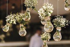 Vom romantischen Hochzeitsantrag bis zur Traumhochzeit gibt es unzählige kleine und große Entscheidungen zu treffen und zu planen. Auf unserer Webseite findet Ihr ideale Hilfen und Inspiration für eure Hochzeit.