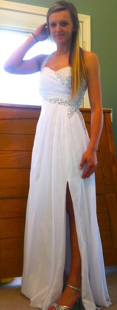 OMG GUYS MY DRESS CAME IN! SO HAPPY! Prom in T minus 3 days