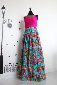 Flora in feisty color palettes. #MasalaChaiDubai #MonroeMadness #Color #POP #Summer #Fashion #Design #PretAPorter #Diva #CropTop #Pink #Roses #Blue