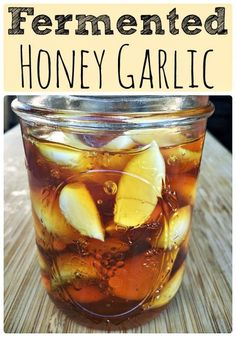 Fermented Honey Garlic I'm really excited to share this post with you! Fermented honey garlic is something I've been wanting to try for a ve. Garlic Recipes, Honey Recipes, Real Food Recipes, Healthy Recipes, Healthy Food, Fermented Honey, Fermented Foods, Probiotic Foods, Kefir