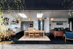 Mottingham Lane London SE9 | The Modern House