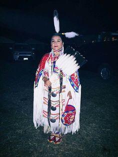 Powwow Regalia, Native American Women, Pow Wow, Traditional, Native Americans, Southern, Dance, Fashion, Dancing