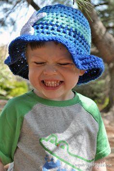 Crochet Toddler Boy Sun Hat {free crochet pattern}