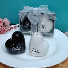 Wholesale Wedding Party Gifts - Buy to USA CA Via Fedex Wedding Favors And Souvenirs Heart Shaped Mr. & Mrs. Ceramic Salt & Pepper Shakers, $1.9 | DHgate