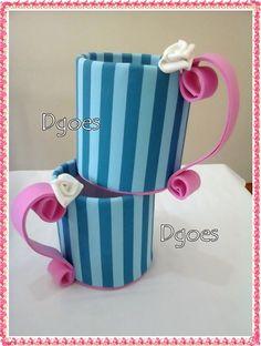 xícara em eva grande altura 18 x 21 l. temos outras opções de cores serve como suporte de flores enfeite de mesas