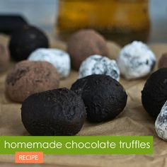 Homemade chocolate truffles? Nothing is easier - with this recipe for chocolate truffles with single malt Scotch whiskey flavor and cocoa coating. #recipes #cooking #cooking #homecooking #easycooking #homecook #cookingathome #easyrecipes #easyhomerecipes #onlinerecipes #recipeblog #goodfood #foodblogs #simplecooking #foodandwine #onthetable #heresmyfood #tasty #yum #whatsfordinner #chocolate #truffles #pralines