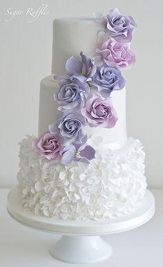 Purple Wedding Cakes With Fountain Wedding Cakes Purple wedding cake with fountain # fountain Purple Cakes, Purple Wedding Cakes, Wedding Cakes With Cupcakes, Elegant Wedding Cakes, Wedding Cakes With Flowers, Cool Wedding Cakes, Bling Wedding, Elegant Cakes, Beautiful Wedding Cakes